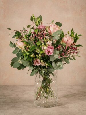 Pink Flower Bouquet, fresh flowers home delivery across Italy