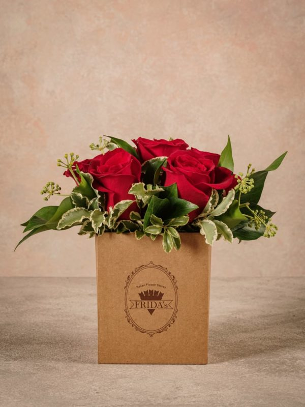 Red Rose Box Frida's is a small box with a patented wet sponge