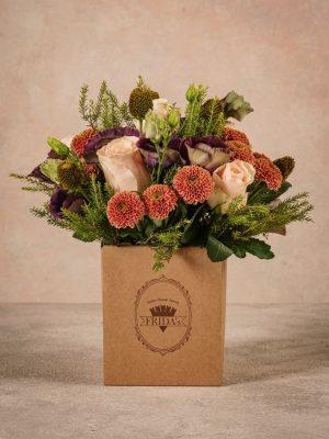 Box Equinozio, bouquet in scatola di cartone riciclato con marchio Frida's