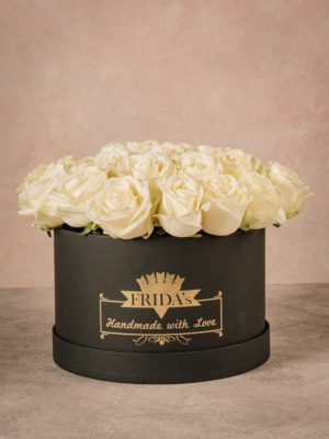 Large White Rose Hatbox an elegant and prestigious gift.