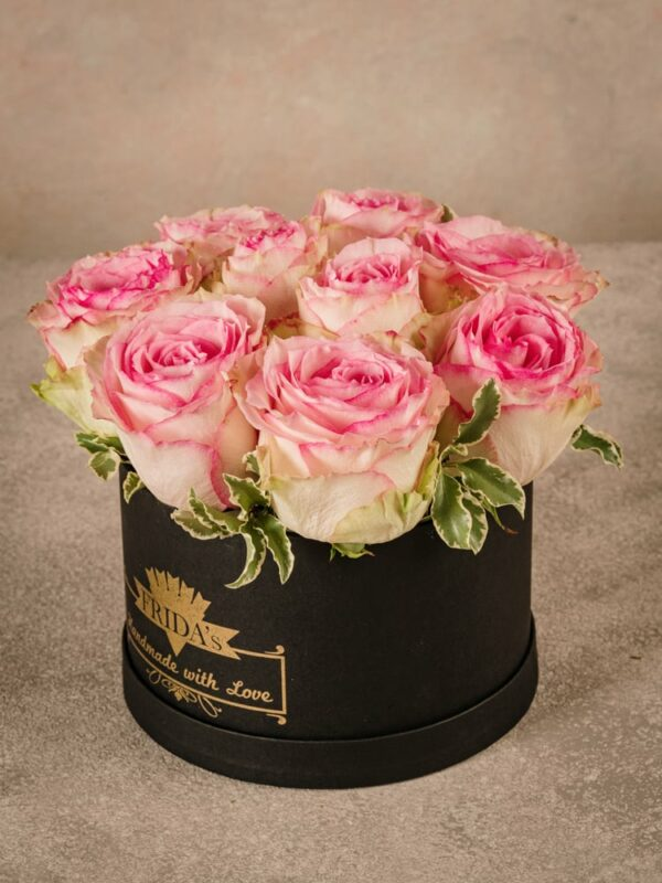Medium Pink Rose Hatbox, fresh home delivery roses in a handmade box with heat-sealed brand logo