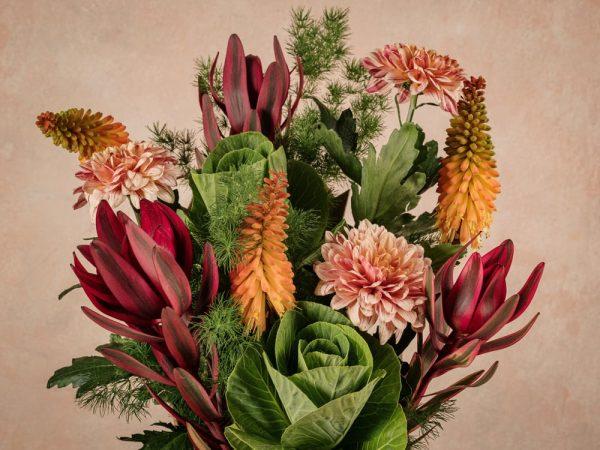 The Orange Flower Basket, fiori dell'autunno in cono di cartone riciclato 100% green