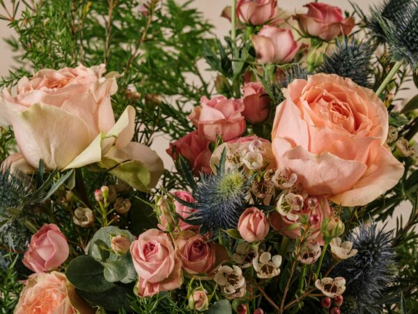 Bouquet Luxury Rosa, rose e verdi di stagione di altissima qualità