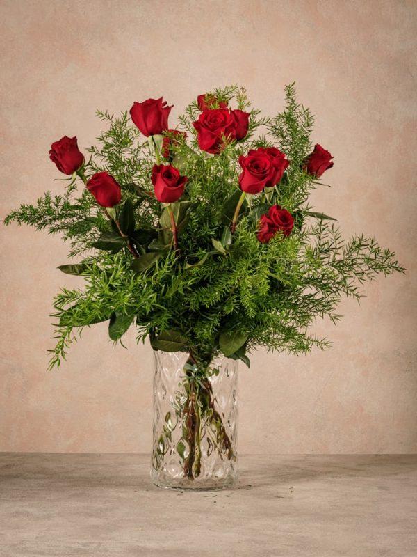 Bouquet di rose rosse, fiori freschi per occasioni speciali