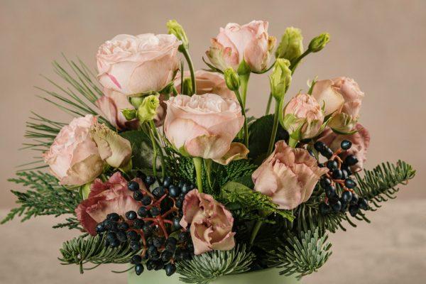Cappelliera mini Verde Acqua rose chiare e lisianthus moka