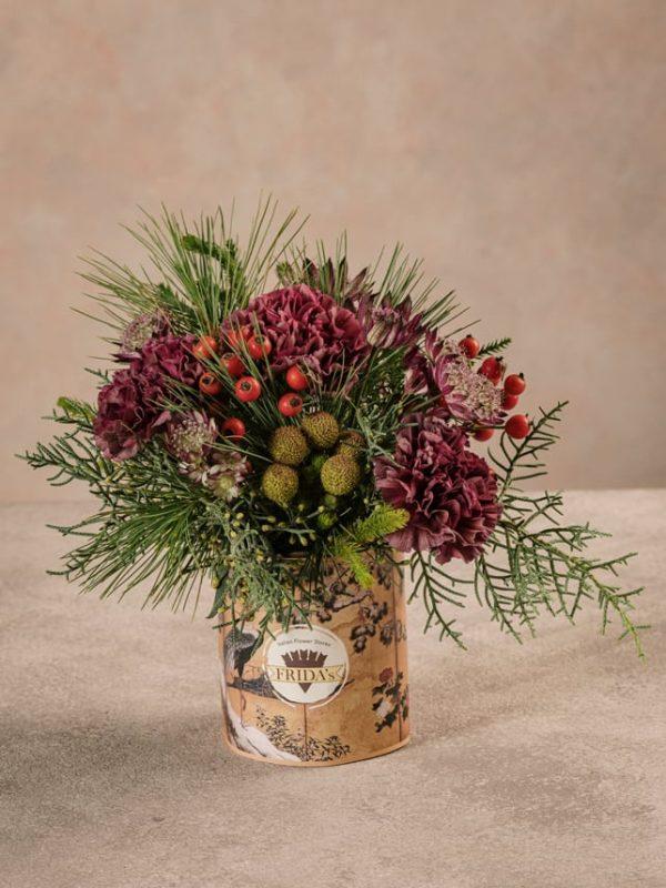 Sushi Solstizio bouquet piccolo elogio all'inizio della stagione invernale, toni vivi e violacei.