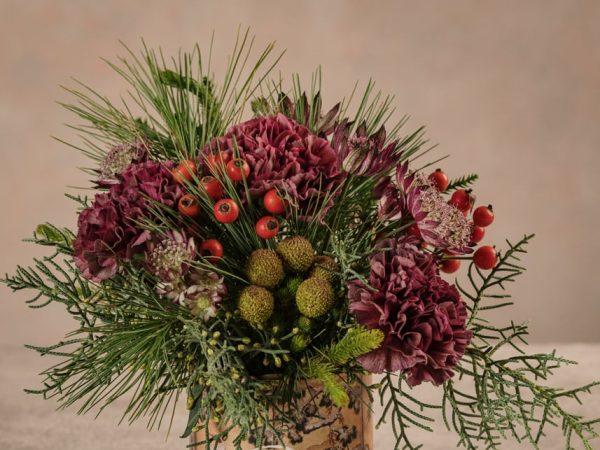 Sushi Solstizio dettaglio fiori bouquet piccolo invernale. Fiori freschi a casa tua