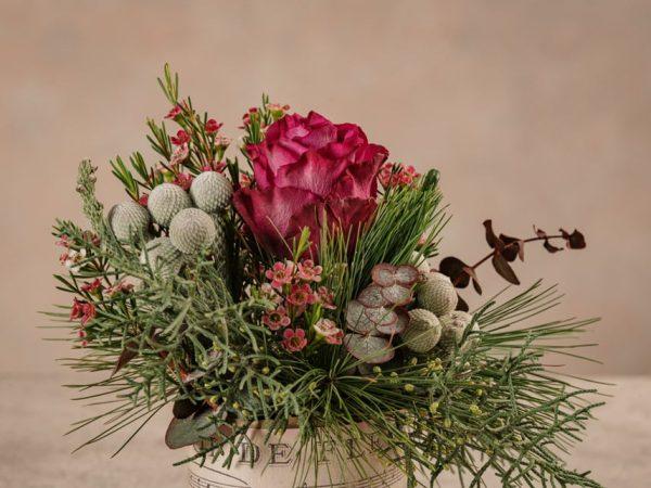 Dettagli fiori Sushi Winter un mazzo di fiori invernali. Consegna a domicilio in tutta Italia
