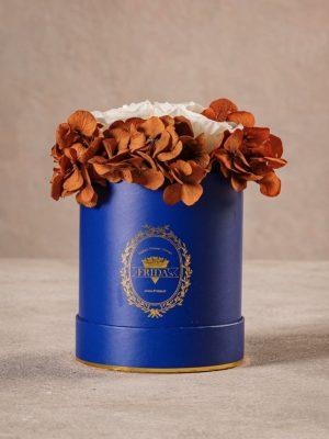 Cappelliera Mini Blu, Rose e ortensie stabilizzate che durano nel tempo