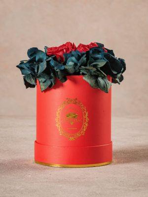 Cappelliera Mini Rossa, Rose e ortensie stabilizzate che durano nel tempo