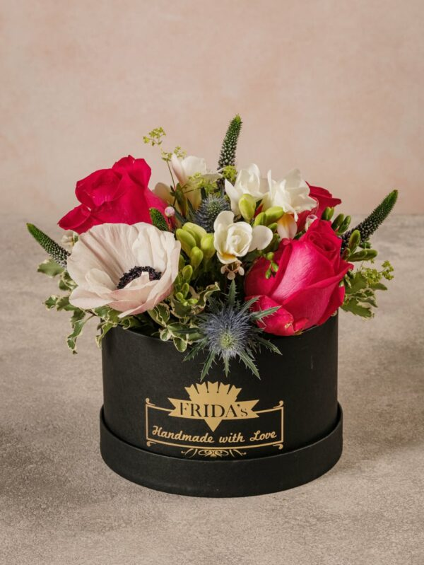 Cappelliera Creativa Media, fiori di alta qualità direttamente a casa tua