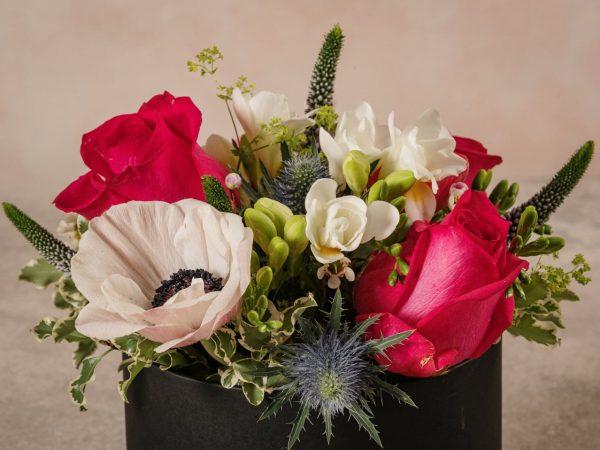 Cappelliera Creativa Media, fiori di stagione composizioni creative by Frida's