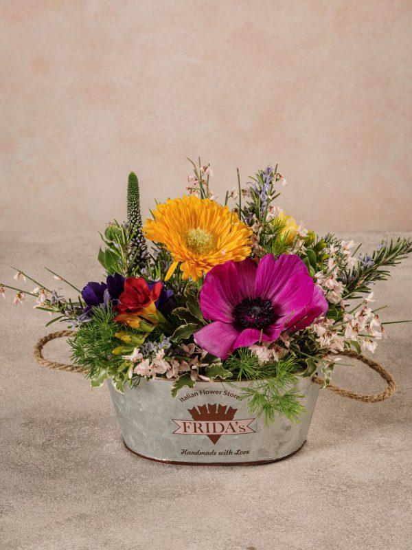 Cestino Di Latta, fiori e verdi di stagione di alta qualità direttamente a casa tua