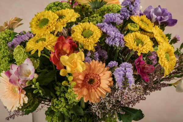 Bouquet Joy, fiori freschi dai colori tipici della primavera