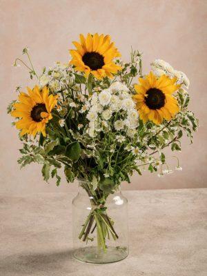 Bouquet Sunny, bouquet di girasoli freschi, crisantemi e camomilla