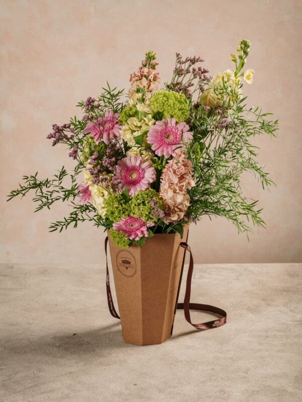 Flower Basket Euforia, bouquet in cono Spring Collection Frida's