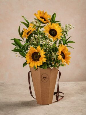 Flower Basket Girasoli, bouquet di girasoli e fiori di camomilla