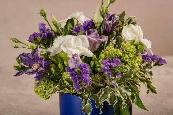 Mini Cappelliera Blu, fiori freschi online con consegna a domicilio in tutta Italia