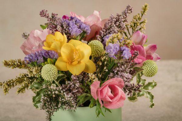 Mini Cappelliera Verde, fiori freschi Frida's di altissima qualità