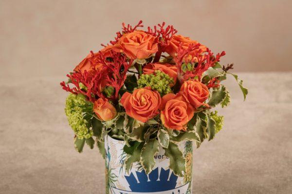 Sushi Café del mar, bouquet di rose ramificate arancioni