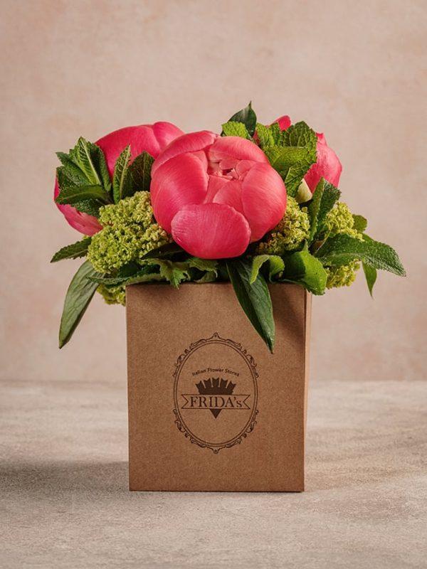 Box Peonie è una delle composizioni più amate di questa stagione: il regalo perfetto per la festa della mamma