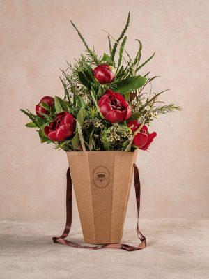Flower basket Peonie, un bouquet prezioso, elegante e di grande impatto - Festa della mamma Frida's